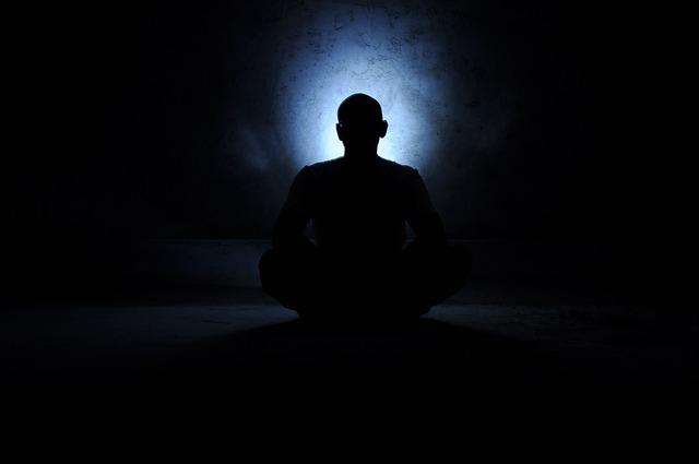 světlo u meditace