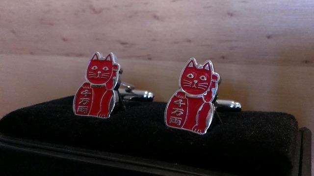 manžetové knoflíčky kočky