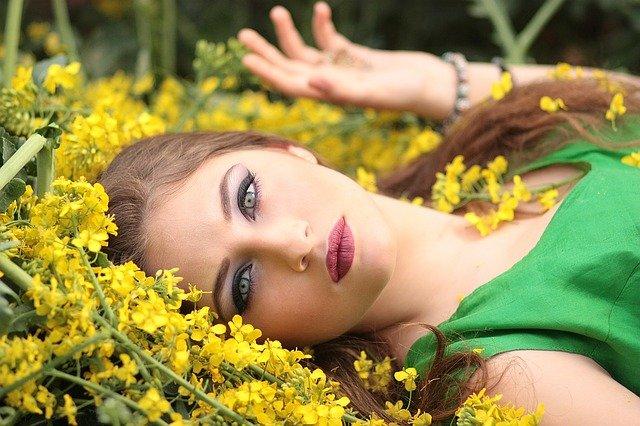 zelená ve žluté
